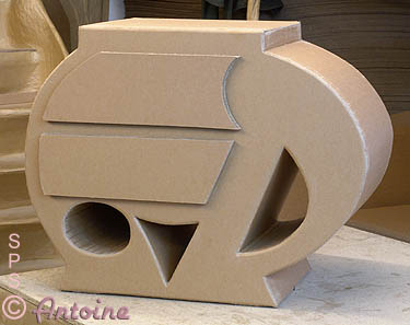 avis sur apprentissage fabrication de meubles et fauteuils en carton. Black Bedroom Furniture Sets. Home Design Ideas