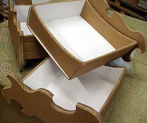 Meuble carton fabriqu en guise de loisirs cr atifs for Finition meuble en carton
