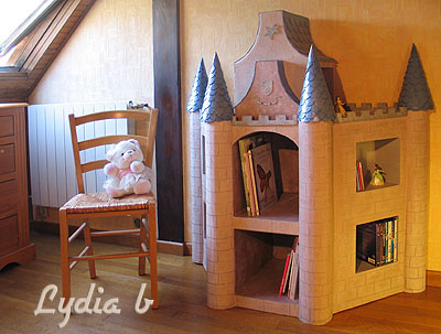 le meuble enfant fabriqu en carton. Black Bedroom Furniture Sets. Home Design Ideas