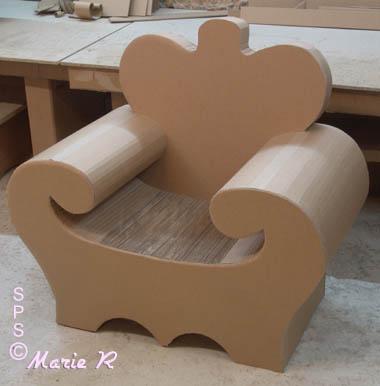 fabrication de meubles en carton un art que nous vous. Black Bedroom Furniture Sets. Home Design Ideas