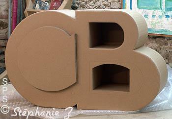des l ves belges et leurs mobilier fabriqu en stage carton. Black Bedroom Furniture Sets. Home Design Ideas