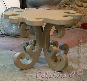 Table baroque en carton