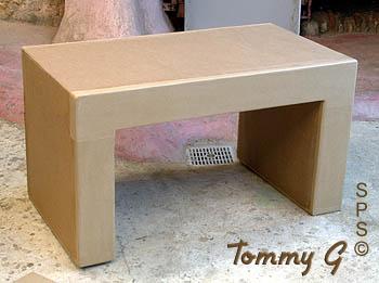 Table basse en carton table de salon - Comment fabriquer une table en carton ...