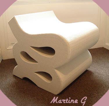 tabouret design et robuste construit en carton. Black Bedroom Furniture Sets. Home Design Ideas